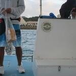 シェラトン 沖縄サンマリーナリゾート - 海に、パンを撒きます