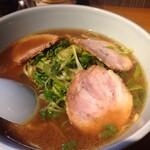 りゅうらーめん - 醤油ネギチャーシュー麺(850円)
