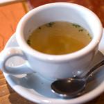 レストランITOSHIMA - 「オススメランチ」(1,300円)のスープ。シンプルながら優しいお味。