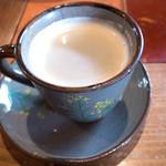 レストランITOSHIMA - コーヒーのカップも男性用と女性用があるのかな!?