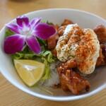 124490903 - チキンタルタル丼、サラダ、スープ、コーヒー付き(1,200円)