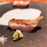 蒼 - 太刀魚とのどぐろを藁焼きにして中国の甘酒ソースを