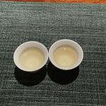 蒼 - 急須で入れたお茶とおステンレス急須で入れたお茶飲み比べ
