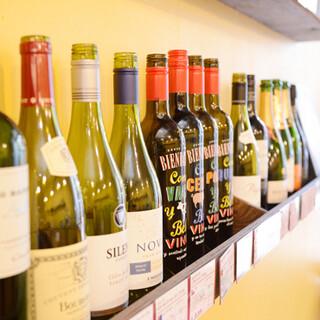ワイン常時30種類。お値打ちボトルワインがおすすめ◎