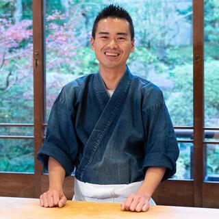 谷口隆志氏(タニグチタカシ)─巧みな技と心で握る、西の江戸前