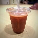 りんごの下 - いちごジュース(M:770円)・・あまおうを使用されていて苺の味わいはいいですね。 ただ薄めでしたので、この価格はお高いかと。
