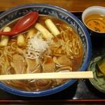 蕎麦処 伊右ェ門 - 料理写真:鴨ラーメン(大盛)