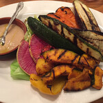 ワイン食堂 ヴィンセント - 旬の7種野菜のグリル バーニャカウダソース添え