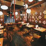 大阪餃子 しな野 - 2Fテーブル席