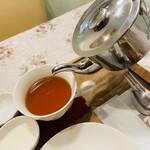 124524699 - 紅茶は2杯とれます♥