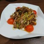 中華酒家 心 - 叉焼と葱の和え物