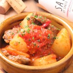 4階のイタリアン 磨屋町 - 牛スジと冬大根のトマト煮