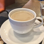 上島珈琲店 - ゆで卵&厚切りバタートーストモーニング506円、無糖ミルクコーヒー