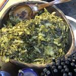 老牌牛肉拉麵大王 - 卓上の漬物。高菜?