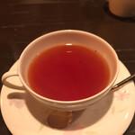 横濱屋 - サービスの紅茶