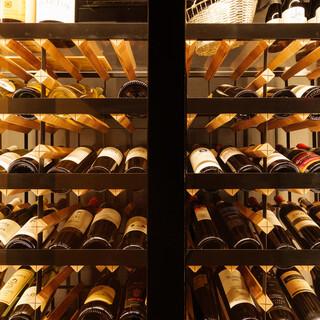 各国から厳選し、取り揃えられた自然派ワイン