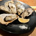 レモンサワーバル ウオキン - 焼き牡蠣5個