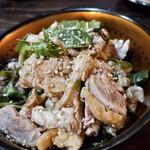 野菜居酒屋 玄気 - 地鶏たたき