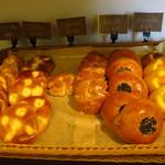 ヤミー - パンの販売コーナー