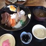 海女小屋 鳥羽 はまなみ - 料理写真:海鮮丼セット