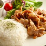 今日も、明日も、お腹いっぱい串食べよ~っと!ウキウキ気分♪♪ - しょうが焼ランチ