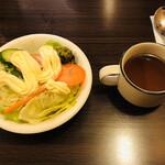 貧頭 - 貧頭カレーのサラダとスープ