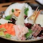 海鮮遊食 Rin - 刺し盛りはボリューム満点♪鮮度も抜群!