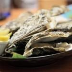 海鮮遊食 Rin - 焼きガキも美味しい!日本酒との相性もバッチリ。