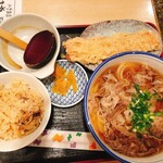 釜ひろ - 肉うどん¥750     C定食 ¥250 かやくごはん小+ちくわ天  平日50円引きで¥200