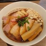 実垂穂 - 醤油(チャーシュー増し) 麺大盛り