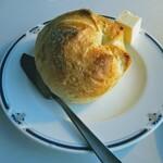 トレインレストラン日本食堂 - 硬いパンとバターとバターナイフ!これぞレトロ洋食!
