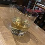 ラス ボカス - ウイスキーお湯割 (飲み中)