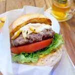 124568058 - カナダ産牛の肩肉・ミスジをベースに、国産牛の牛脂をブレンド。納得の食べ応え