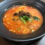 杏亭 - 担々麺850円