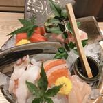 ろばたの魚炉米 - ここの凄さは、これがお通しです。