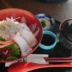江之島亭 - 海鮮丼 1800円