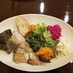 Bon courage - 野菜もたっぷり フランスのお惣菜4種 サワラのタプナードソースがおいしかった