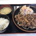 お惣菜のミスタージョージ - 料理写真:牛カルビ定食 200g=880円 税込
