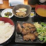 124584587 - 「鮪ホホ肉生姜焼き定食」(900円)