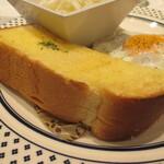 124585358 - 厚切りトースト