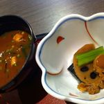 居食屋 たぬき - お味噌汁と小鉢