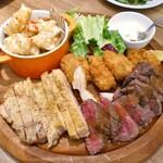 124604327 - 肉・魚料理の盛り合わせ(4人分)