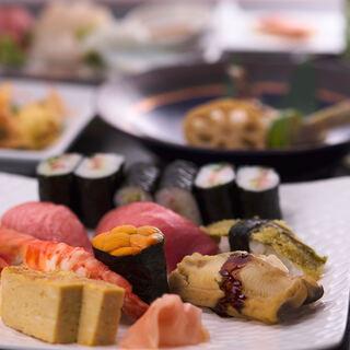 明朗安心価格で上質なものを楽しめる人気のコース料理