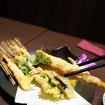 蟹と海鮮 個室居酒屋 東郷 - 蟹の天麩羅 いただきます