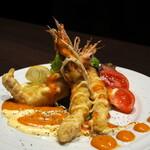 蟹と海鮮 個室居酒屋 東郷 - 海老のビスクソースかけ