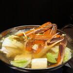 蟹と海鮮 個室居酒屋 東郷 - 生ずわい蟹の水炊き