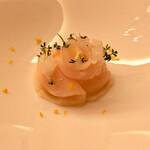 124613856 - 「ホタテ貝柱と大蕪のコンソメ 柚子風味」