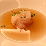124613859 - 「ホタテ貝柱と大蕪のコンソメ 柚子風味」