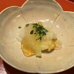 124616351 - 百合根、好きなのです♡お出汁の効いたジュレはしっかり目のお味付け。素材の味を引き立てています