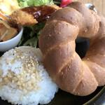 カメイノ食堂 - メジルメッキチョルバスのスィミットと御飯とお惣菜